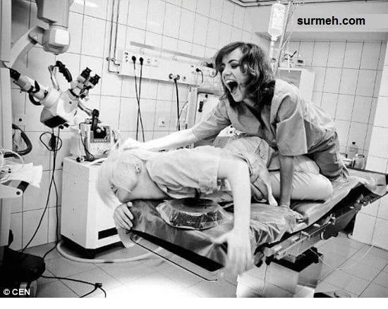 سلفی جنجالی پزشک بی رحم با جنازه در اتاق عمل