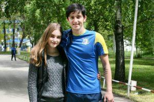 عکس سردار آزمون با دختر روسی