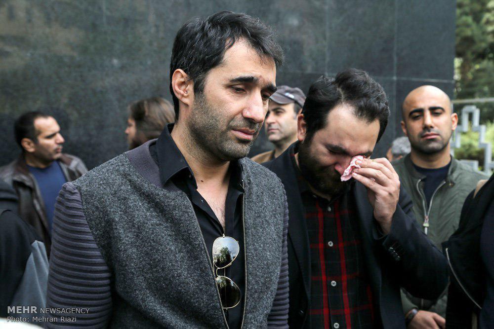 چه کسانی در تشییع عارف لرستانی حضور داشتند + فیلم